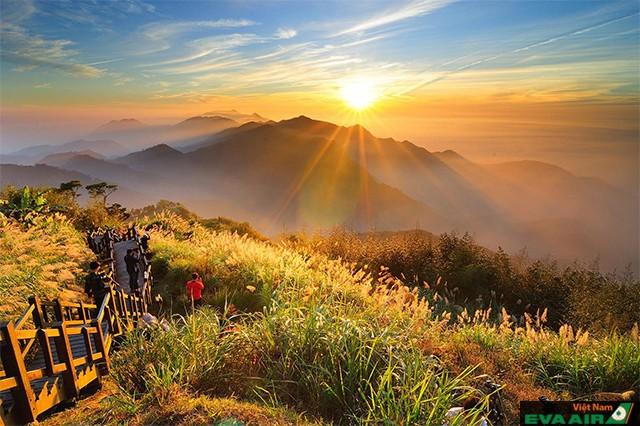 Cảnh bình minh đẹp ngất ngây ở A Lý Sơn