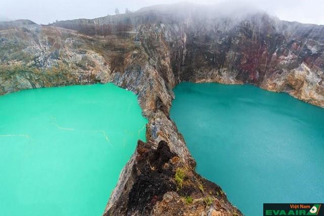 Hồ Kelimutu có sự thay đổi màu sắc đặc biệt, thu hút nhiều du khách khám phá