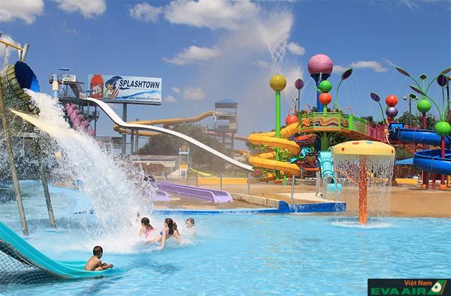 Công viên nước Splashtown - điểm vui chơi thú vị ở Houston