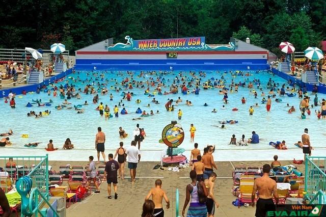 Water Country USA nơi sở hữu hồ bơi sóng nhân tạo thật nhất nước Mỹ