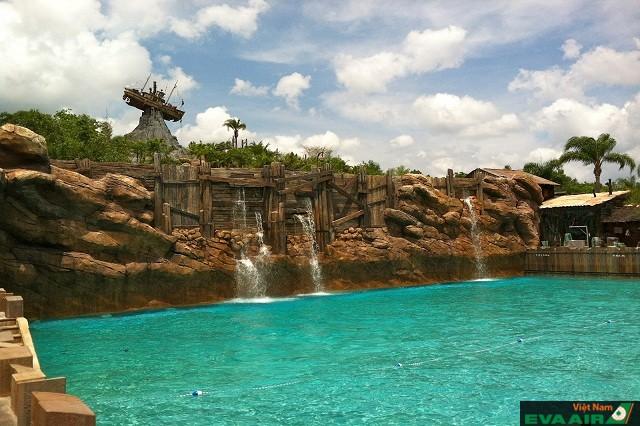 Disney's Typhoon Lagoon là điểm đến thích hợp cho những ngày hè nóng