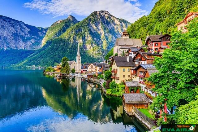 Hallstatt là thị trấn cổ nhất của Áo