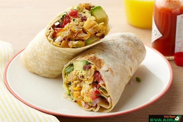 Bánh Burritos có rất nhiều loại nhân thịt và nhiều kích cỡ khác nhau