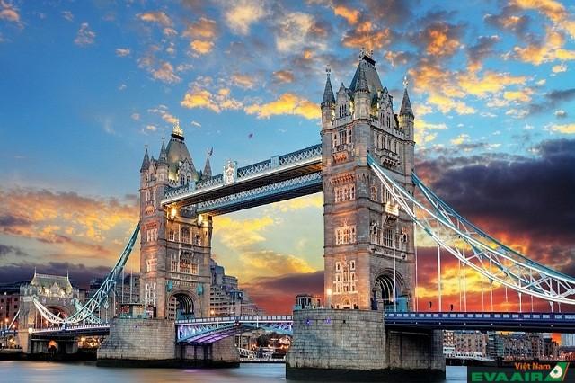 Tower Bridge được xem là biểu tượng của thủ đô London