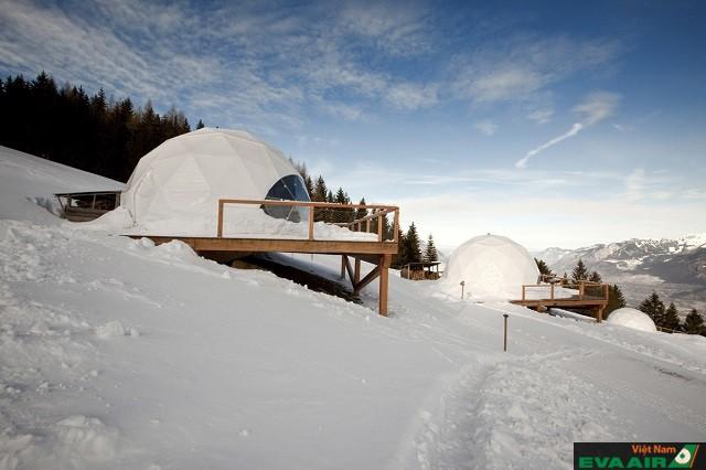 Khách sạn Whitepod đem đến cho du khách khung cảnh thiên nhiên ngoạn mục