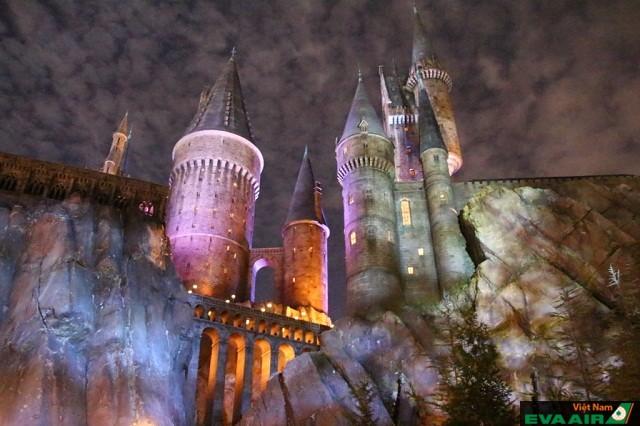 Universal's Islands of Adventure nơi cho bạn phiêu lưu theo câu chuyện trong Harry Poster