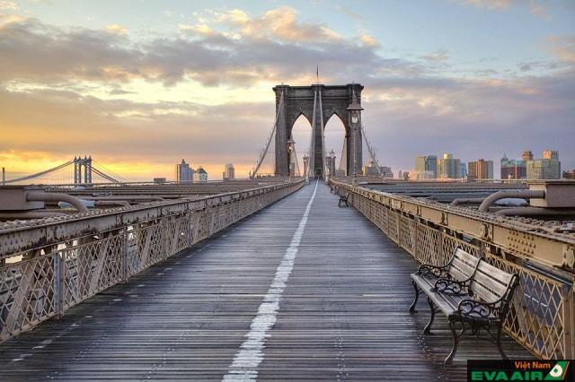 Cầu Brooklyn được xem là kiệt tác nghệ thuật của thành phố New York, Mỹ