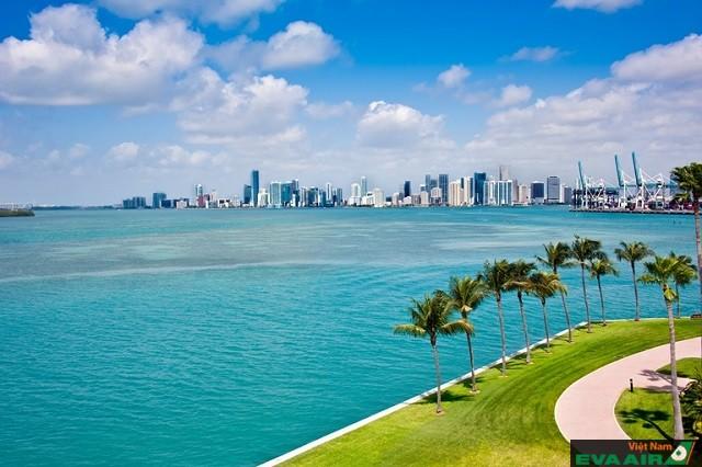 Tiểu bang Florida nằm ở điểm cực Nam của Mỹ có bãi biển trứ danh Miami
