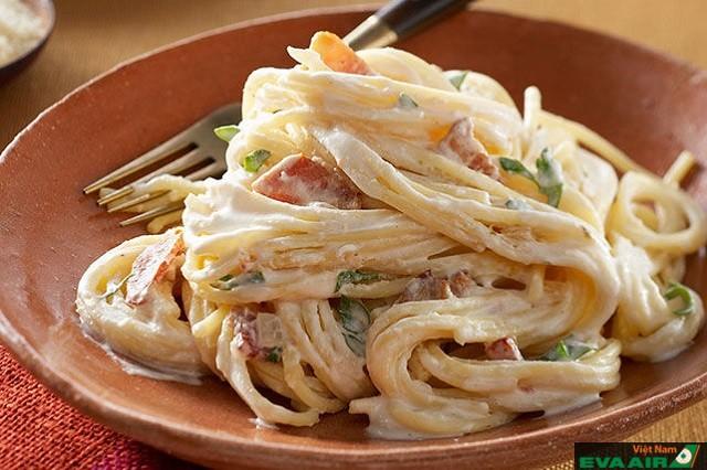 Carbonara là một trong những món ăn quan trọng trong ẩm thực Rome
